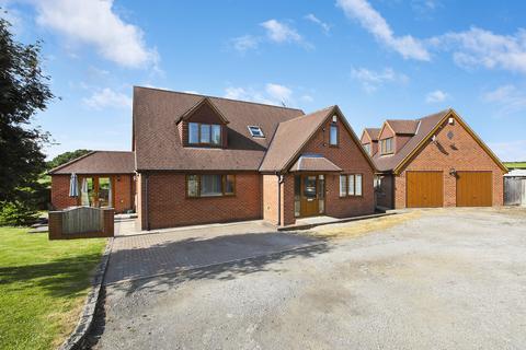 5 bedroom detached house for sale - Brandy Carr Road, Kirkhamgate, Wakefield, WF2