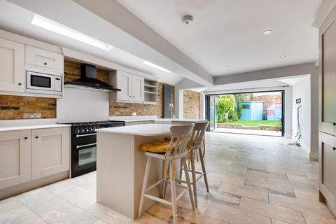 5 bedroom terraced house for sale - Winfrith Road, Earlsfield