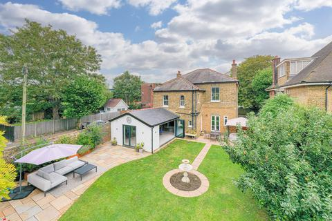 5 bedroom detached house for sale - Park Crescent, Westcliff-on-sea, SS0