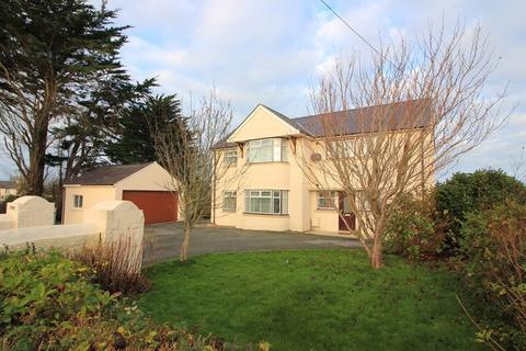 6 bedroom detached house for sale - Church Street, Bodedern