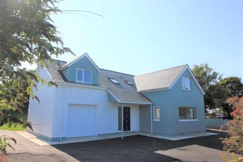4 bedroom detached house for sale - Llaneilian, Amlwch