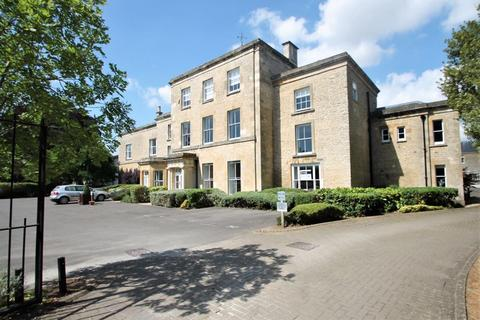 3 bedroom apartment for sale - Chesterton House, Cirencester, Gloucestershire