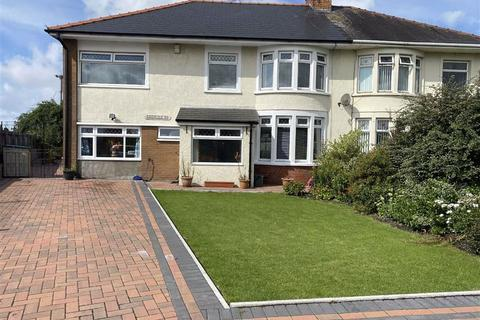 4 bedroom semi-detached house for sale - Greenfield Road, Barry