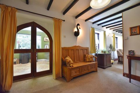 4 bedroom property with land for sale - Llanteg, Narberth