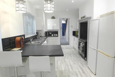 7 bedroom detached house to rent - Desmond Avenue