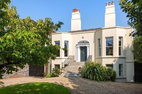5 bedroom house - 9 Wellington Place, Dublin  4