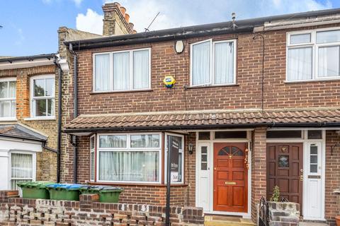 3 bedroom terraced house to rent - Siebert Road London SE3