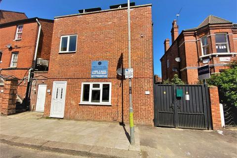 5 bedroom flat to rent - Cricklewood Broadway, London