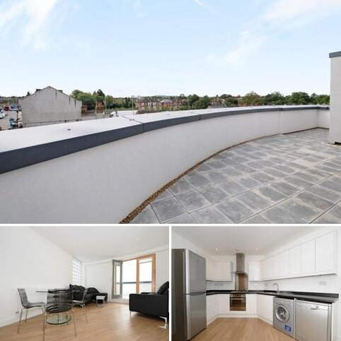 2 bedroom penthouse to rent - Green Lanes Palmers Green N13