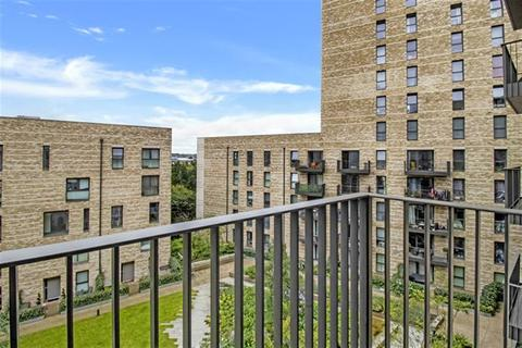 1 bedroom apartment to rent - Kingfisher Heights, Bramwell Way, London,  E16