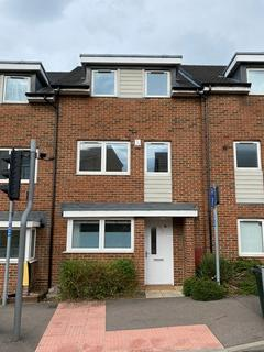 4 bedroom terraced house to rent - Temple Hill Dartford DA1