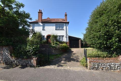 4 bedroom semi-detached house for sale - The Loke, Cromer