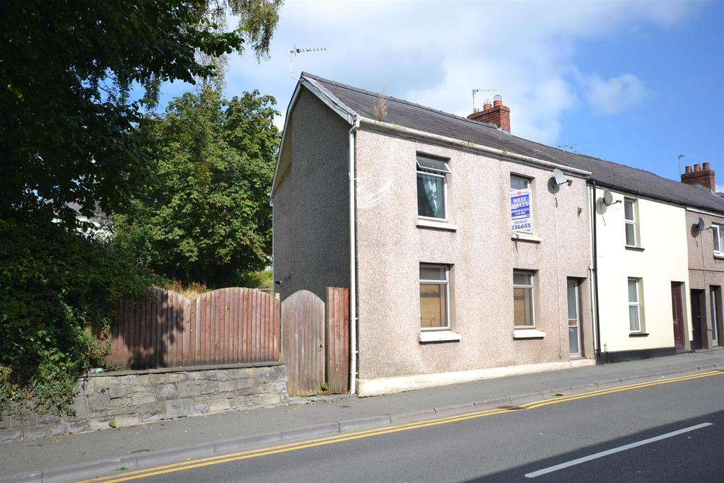 2 Bedrooms Semi Detached House for sale in Carmarthen