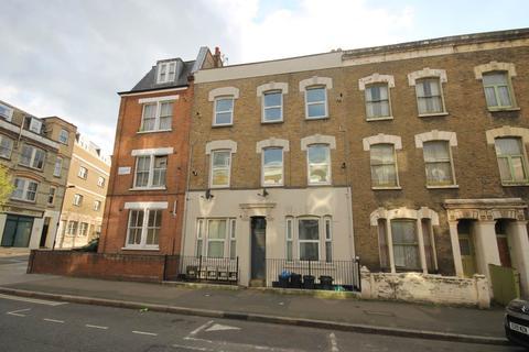 3 bedroom flat to rent - Chatsworth Road, Hackney, London