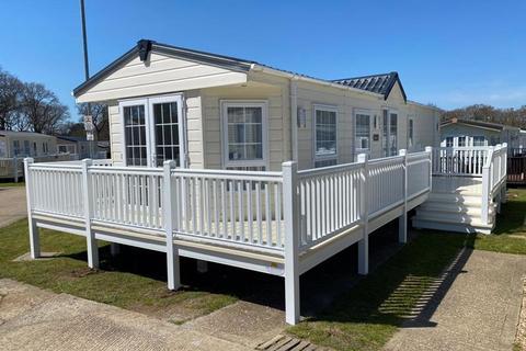 2 bedroom property for sale - The Fairway, Sandown