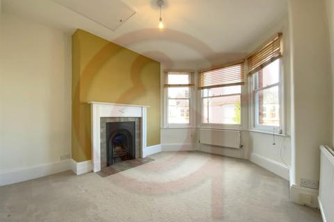 2 bedroom flat to rent - North View Road, Crouch End, N8