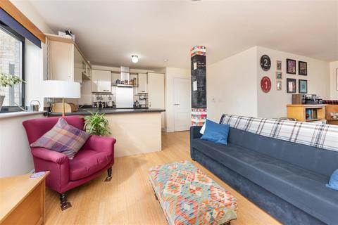 2 bedroom flat for sale - Britannia House, Digby Street, London, E2