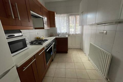 4 bedroom semi-detached house to rent - Tottenhall Road, Palmers Green