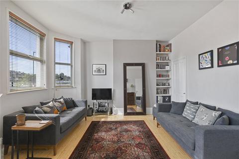 3 bedroom apartment for sale - Buckingham Road, London, N22