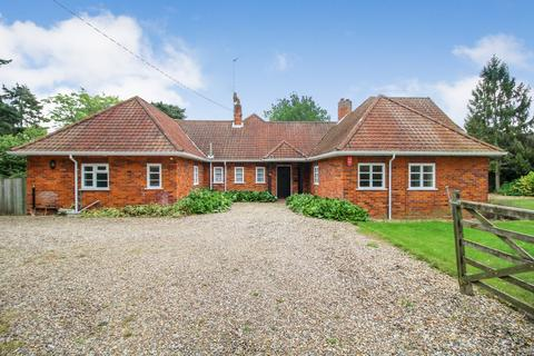 5 bedroom detached house to rent - Upper Moorfield Road, Woodbridge