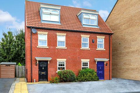 3 bedroom semi-detached house for sale - Dealtry Close, Leeds LS15 9JX