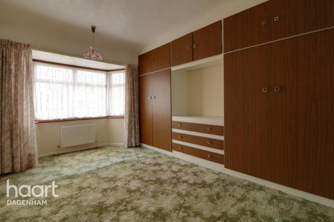 3 bedroom terraced house for sale - Review Road, Dagenham