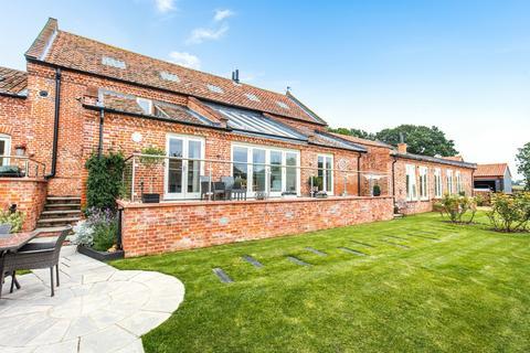 5 bedroom barn conversion for sale - Taverham