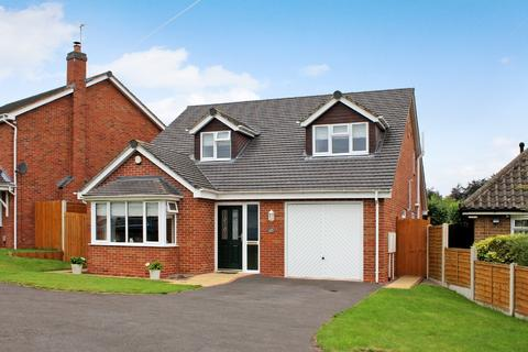 3 bedroom detached bungalow for sale - Knights Avenue, Tettenhall