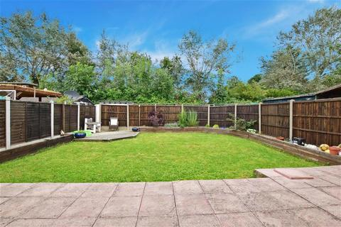5 bedroom semi-detached house for sale - Butlers Drive, London