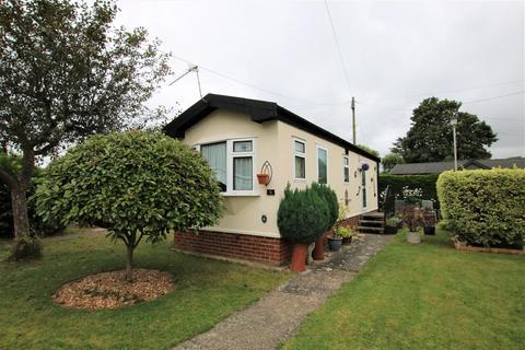 1 bedroom mobile home for sale - Willows Riverside Park, Windsor