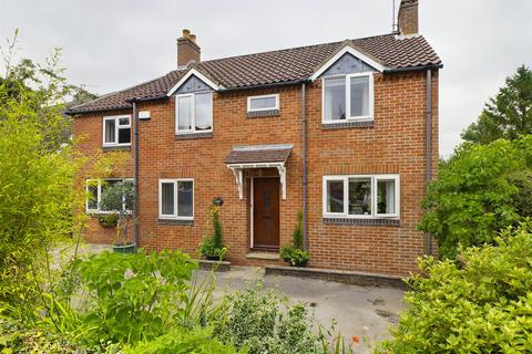 4 bedroom detached house for sale - North Road, Lund, Driffield