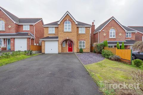 4 bedroom detached house to rent - Wayside Avenue, Newcastle Under Lyme