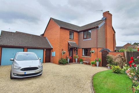 4 bedroom detached house for sale - Tangmere Close, Bicester, Oxfordshire