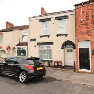3 bedroom flat for sale - Abbey Street, Hull, Yorkshire, HU9