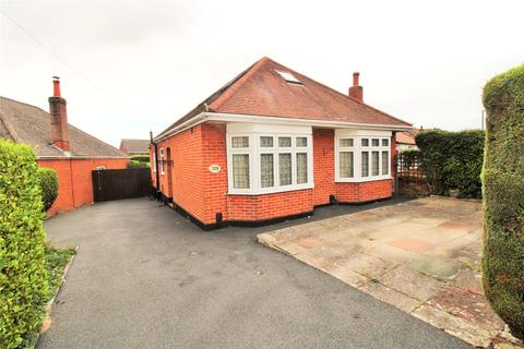 2 bedroom bungalow for sale - The Grove, Bournemouth, BH9
