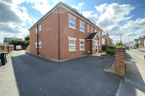 2 bedroom apartment to rent - Jeanette Court, Chaucer Road, Ashford, Surrey, TW15
