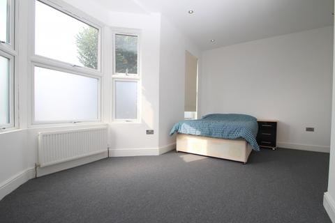 1 bedroom in a house share to rent - Mawney Road, Romford, RM7