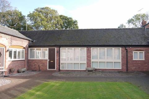 2 bedroom barn conversion to rent - 4 Smithy Place, Teddesley Park Estate, Penkridge, ST19 5RF
