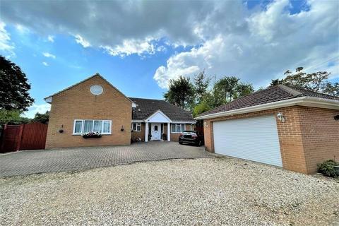 3 bedroom detached house for sale - Fleet,  Hampshire,  GU51
