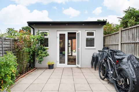 2 bedroom terraced house for sale - Pymmes Road, London, N13