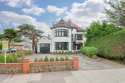 5 bedroom detached house for sale - Chalkwell Avenue, Westcliff-on-sea, SS0