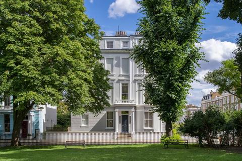 6 bedroom end of terrace house for sale - Chalcot Square, Primrose Hill, London, NW1