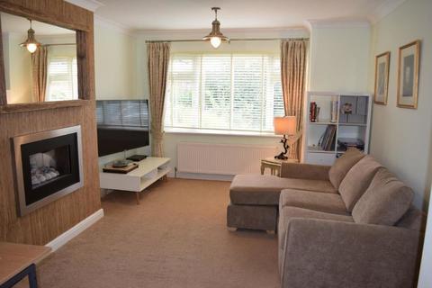 3 bedroom semi-detached house to rent - Plessey Road