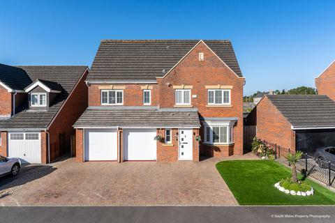 7 bedroom detached house for sale - 2 Waterton Close, Waterton, Bridgend, Bridgend County Borough, F31 3YE