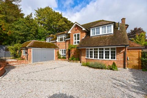 5 bedroom detached house to rent - Farm Grove, Knotty Green, Beaconsfield, HP9