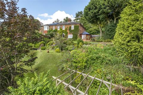 4 bedroom semi-detached house for sale - Quarry Road, Winchester, Hampshire, SO23