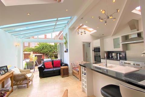 3 bedroom terraced house for sale - Avondale Crescent Grangetown Cardiff CF11 7DE