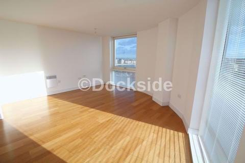 2 bedroom apartment to rent - The Quays, Chatham Maritime