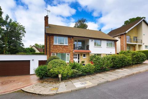 5 bedroom detached house for sale - The Woodlands, Lisvane, Cardiff