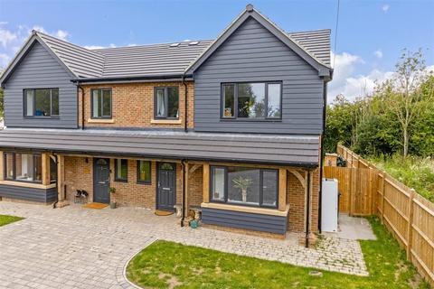 4 bedroom semi-detached house for sale - Arundel Road, Angmering,